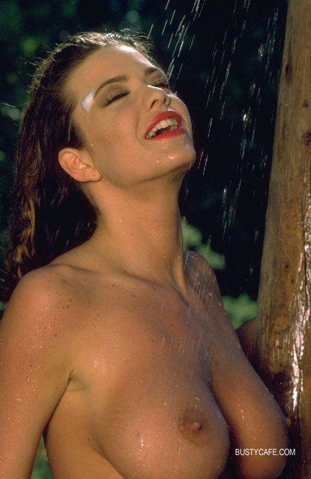 amatuer naked women self pics